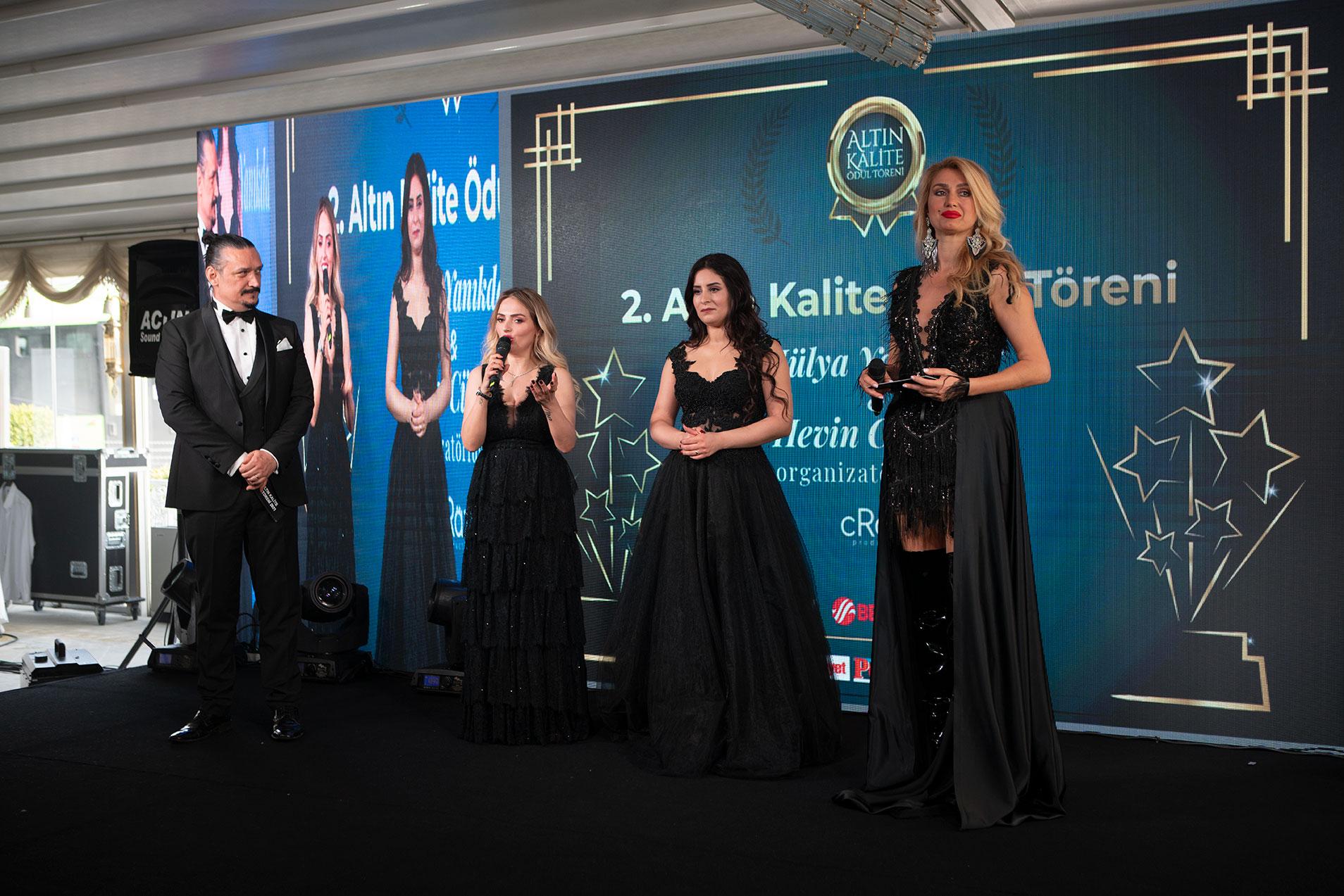 Hülya Yanıkdağ ve Hevin Cümsen farkı İle 3. Altın kalite ödül töreni geliyor.